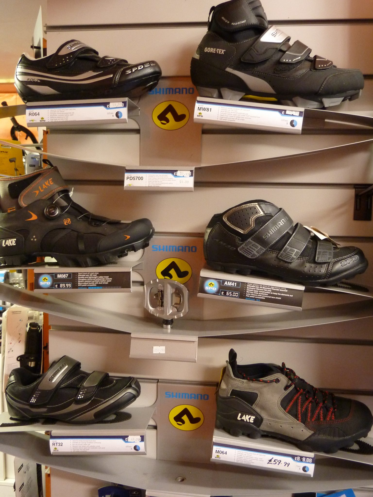 ROAD, MOUNTAIN & TOURING SHOES