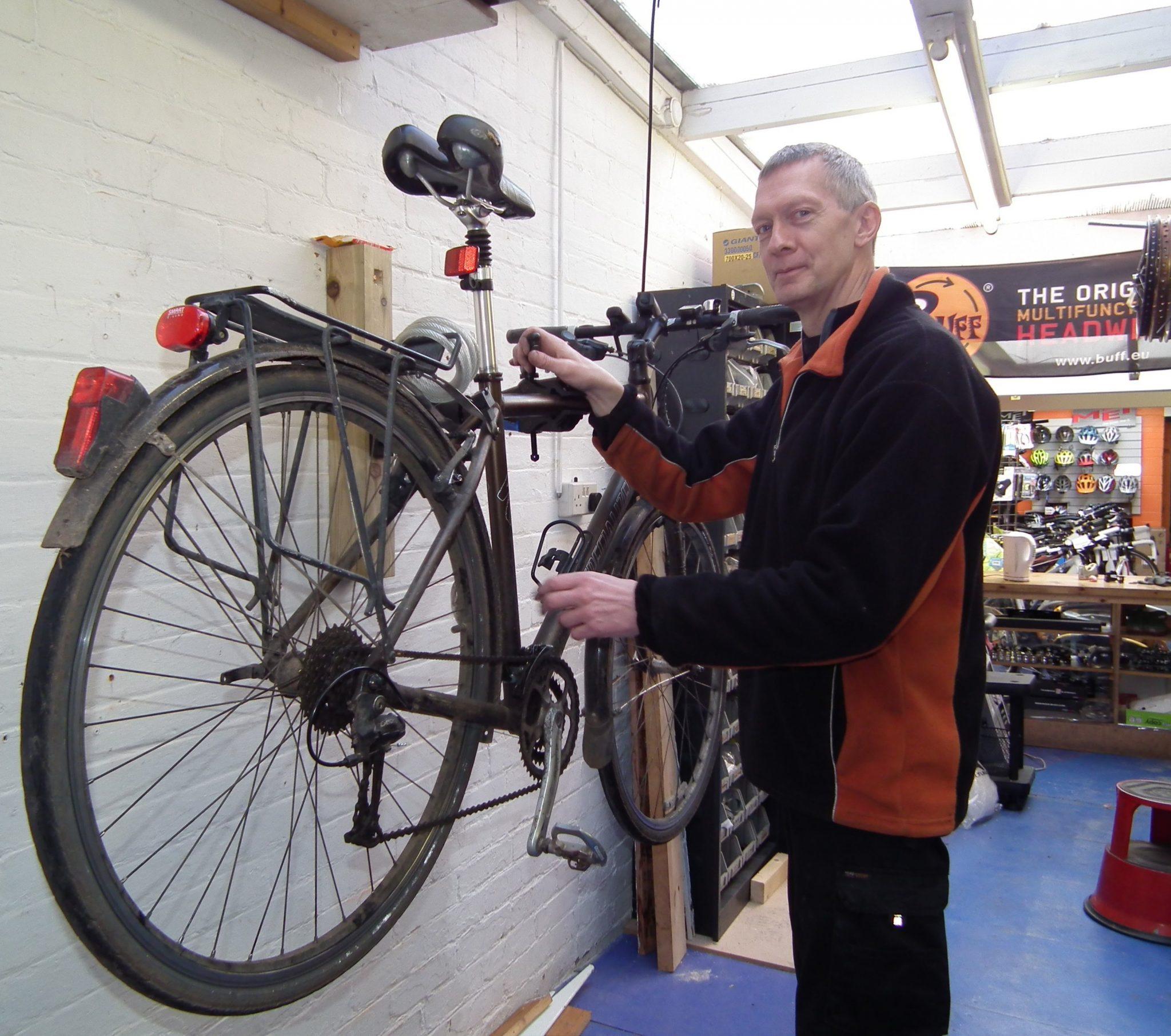 Colin at Knobblies Bike Shop